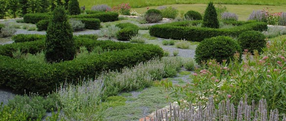 Van-Wyck-House-Raised-Garden-and-Meadow